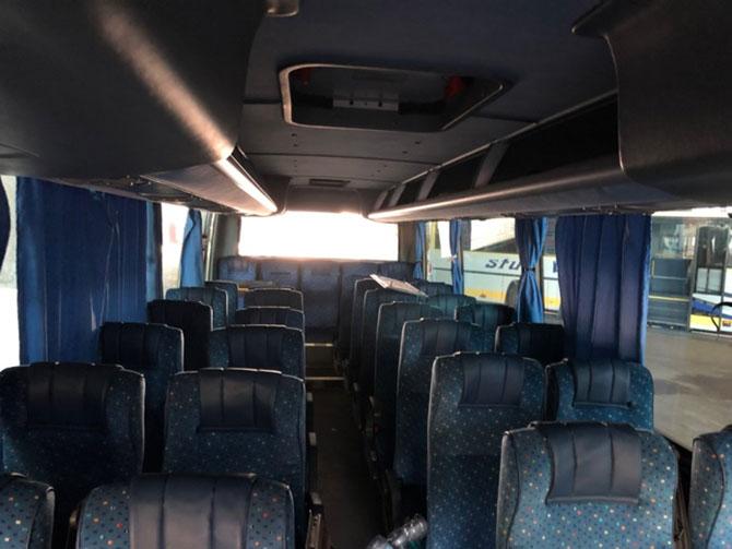stup-vrsac-autoprevoznik-iznajmljivanje-autobusa-isuzu-turquoise-unutrasnjost