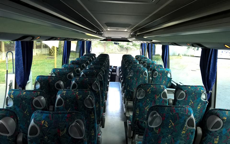 stup-vrsac-autoprevoznik-iznajmljivanje-autobusa-setra-415-hd-unutrasnjost